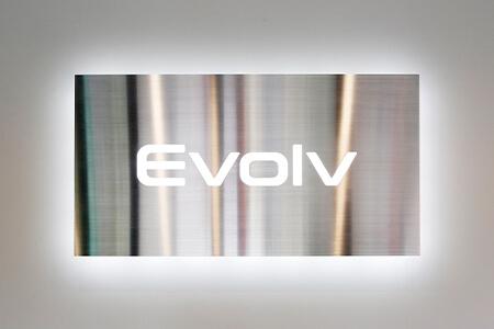 Evolv(エヴォルヴ)| 東京都世田谷区成城2-34-1 小泉ビルB1F